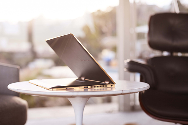 HP Specte x360_stand mode_lifestyle